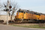 YBU65 light power heads out the Adams line to do some switching