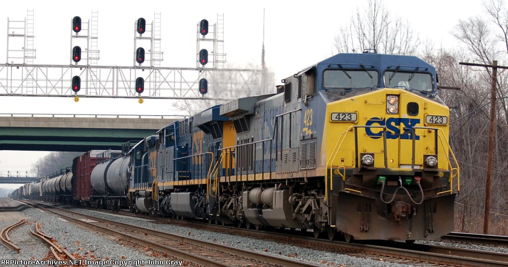 CSXT 423(AC44CW), CSXT 718(ES44AC) & CSXT 6150(GP38-2) ex B&O 4251(GP40-2)