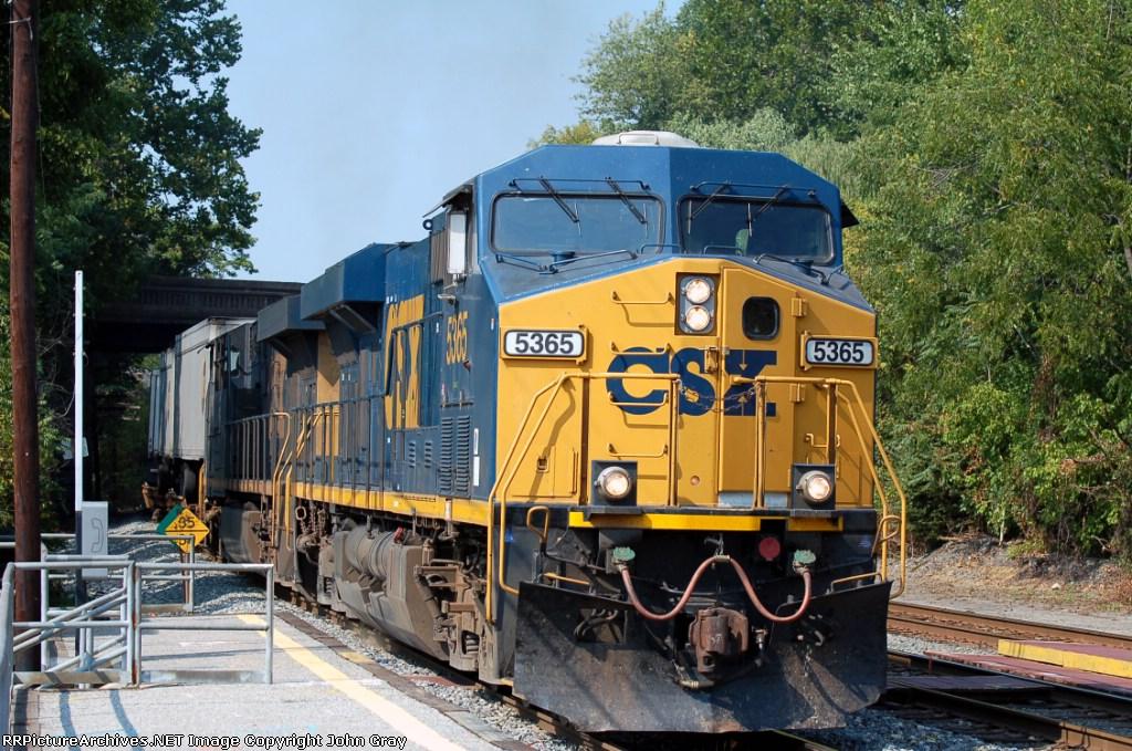 Q174 with CSXT 5365(ES44DC) & CSXT 5302(ES44DC)