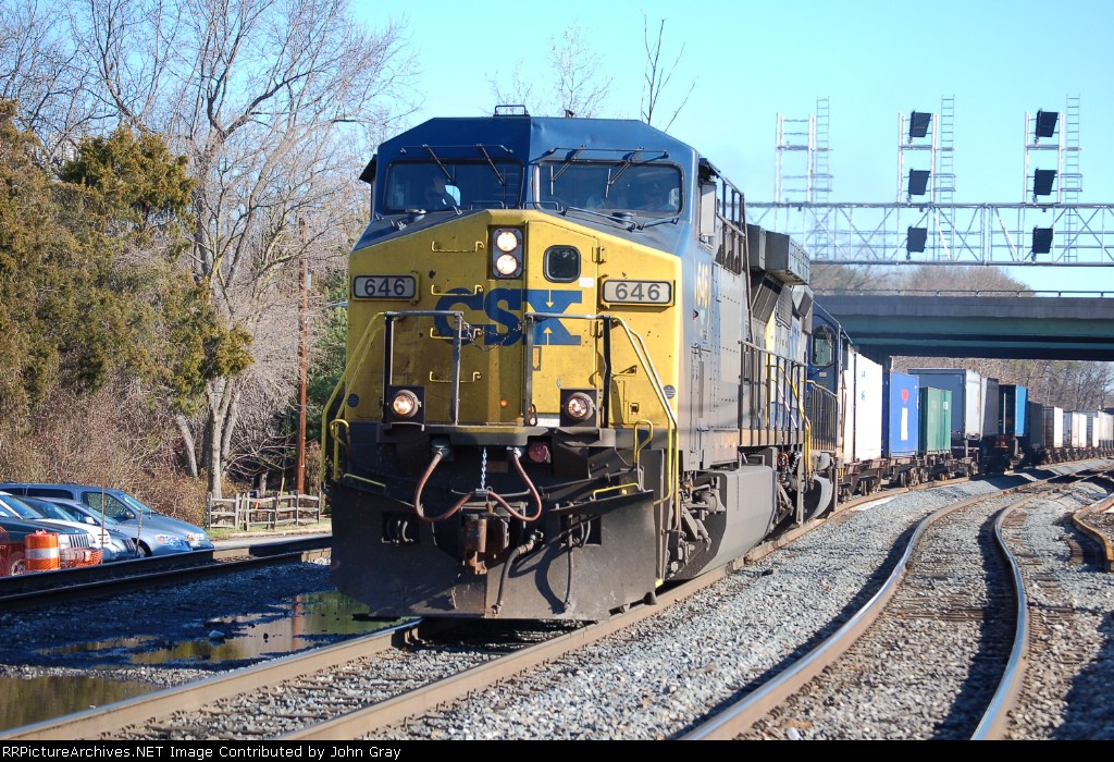 Q171-01 with CSXT 646 (AC60CW) on point