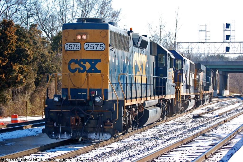 CSXT 2575 (GP38-2), CSXT 8564 (SD50) & CSXT 5355 (ES44DC) make up Y361 this saturday morning