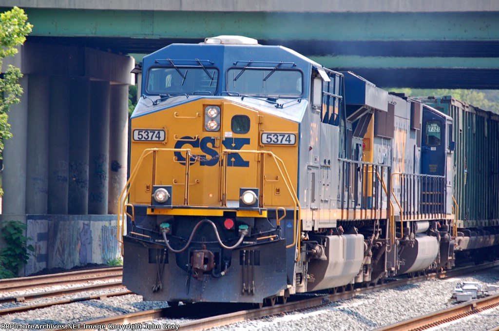 CSXT 5374 (ES44DC) on Q703-25