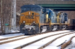 CSXT 5244 (ES44DC), CSXT 7500 (C40-8) ex UP 9142 (C40-8) & CSXT 7844 (C40-8W) lead K651-16, the juice train with it's Philly trailers  