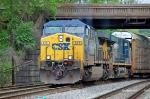 CSXT 676 (AC60CW) & CSXT 5277 (ES44DC) on D740