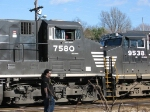 NS 7580 Pulls on to another track