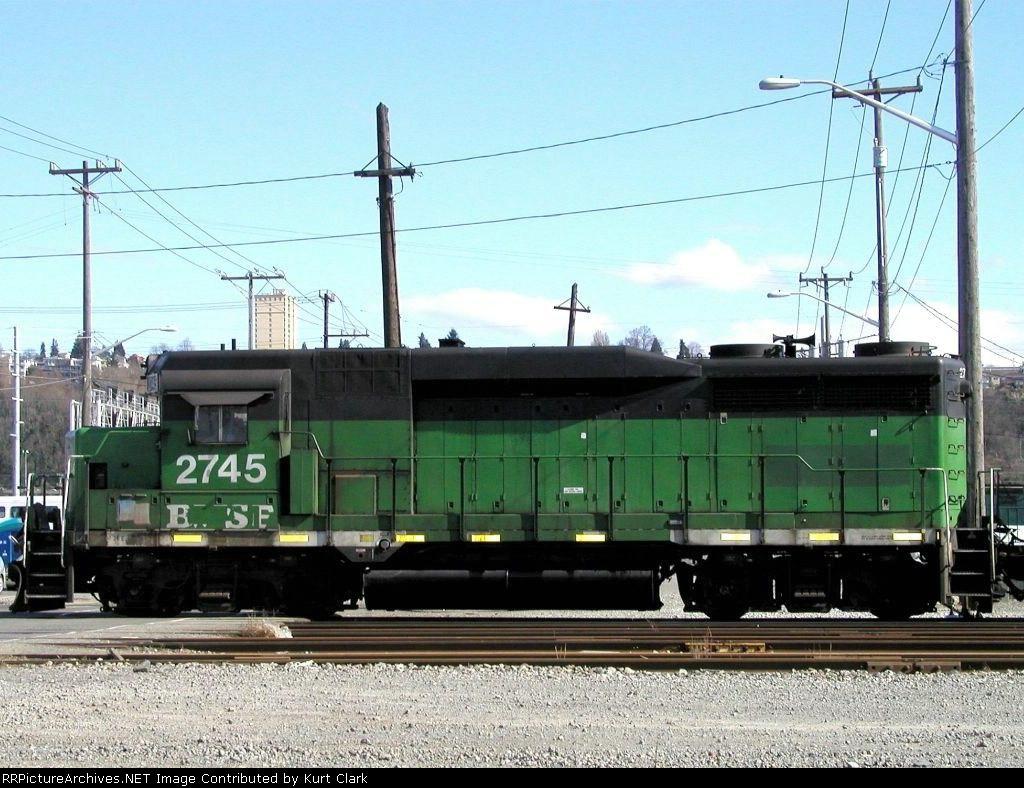 BNSF 2745 (GP39E)