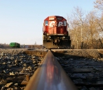 SD40-2 reflecting off the rails at WK