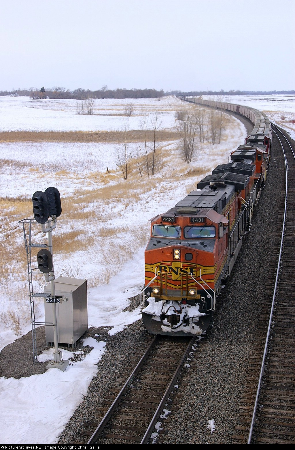 BNSF 4431E on the perfect curve at