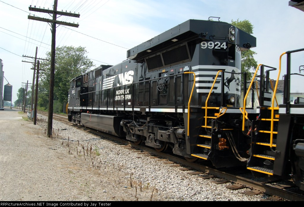 NS 9924