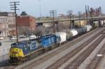csx 7330 leads train Q577