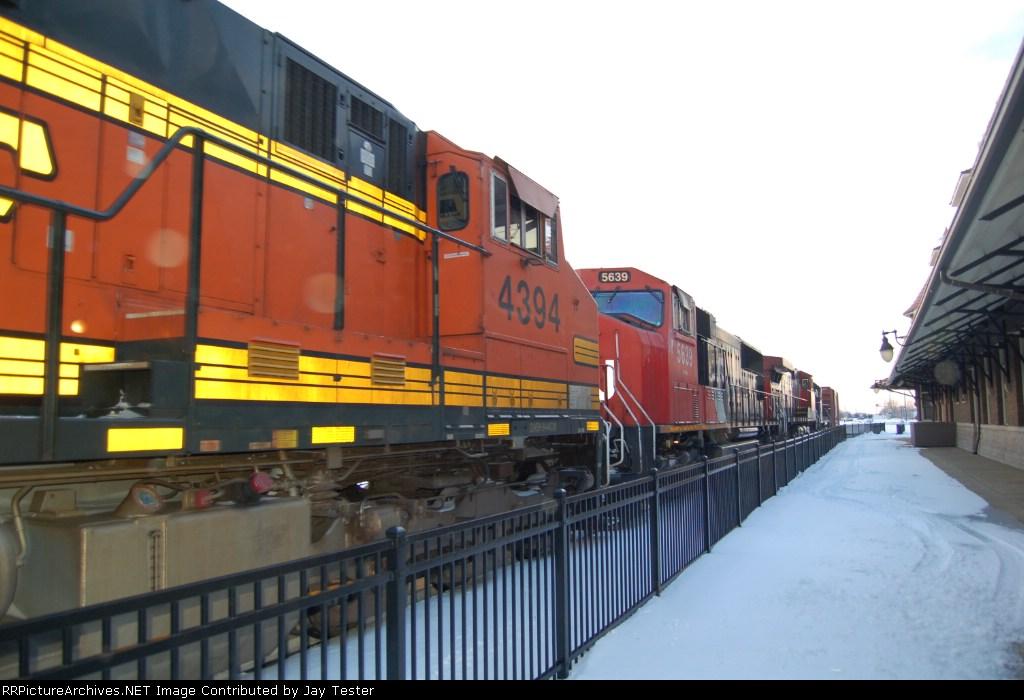 BNSF 4394