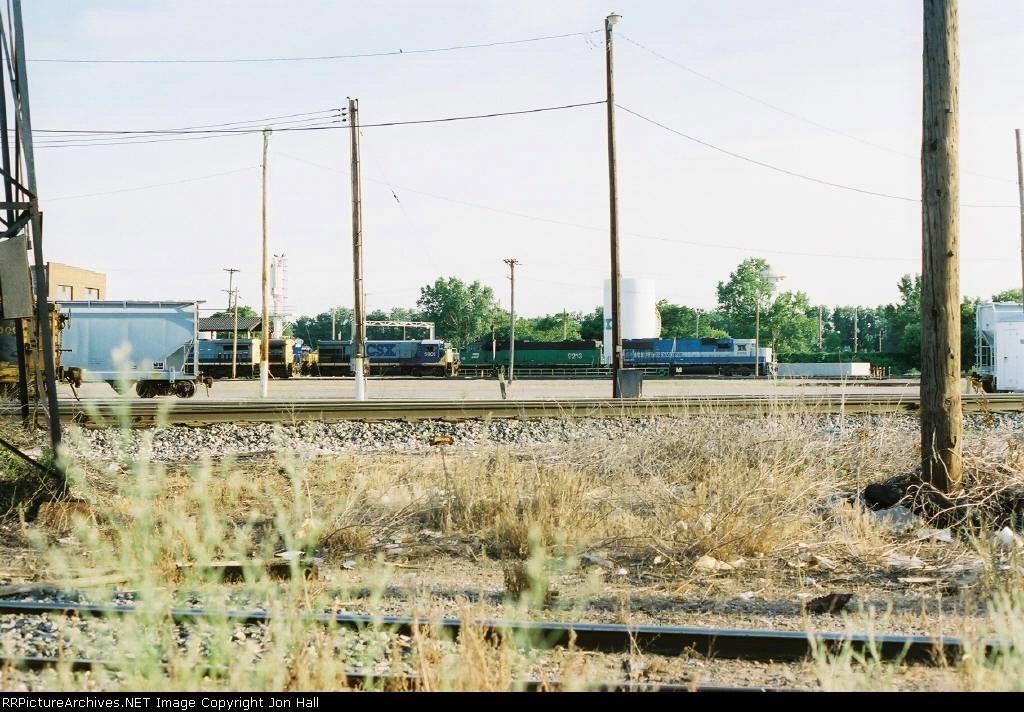 CSX 5901, BN 9213 & EMDX 9018