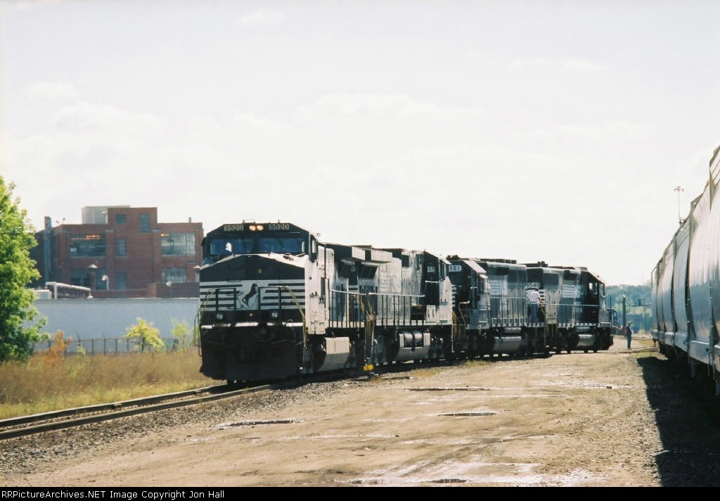 NS 9520, 9805, 6101 & 5548 working in Hughart Yard