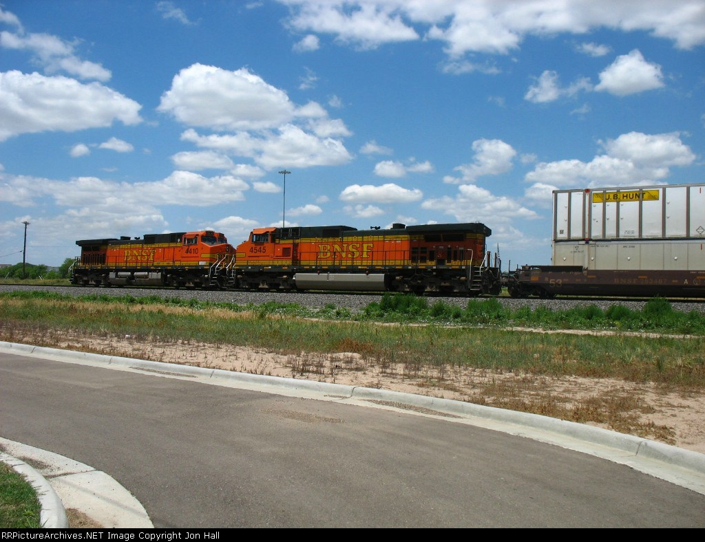 BNSF 4545 & 4410 serving as rear DPU's