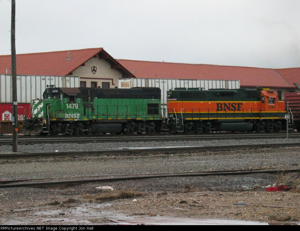 BNSF 1479 & 2244