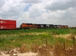 BNSF 961, NS 8761, BNSF 604 & 5016