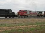 NS 2568 & BNSF 697
