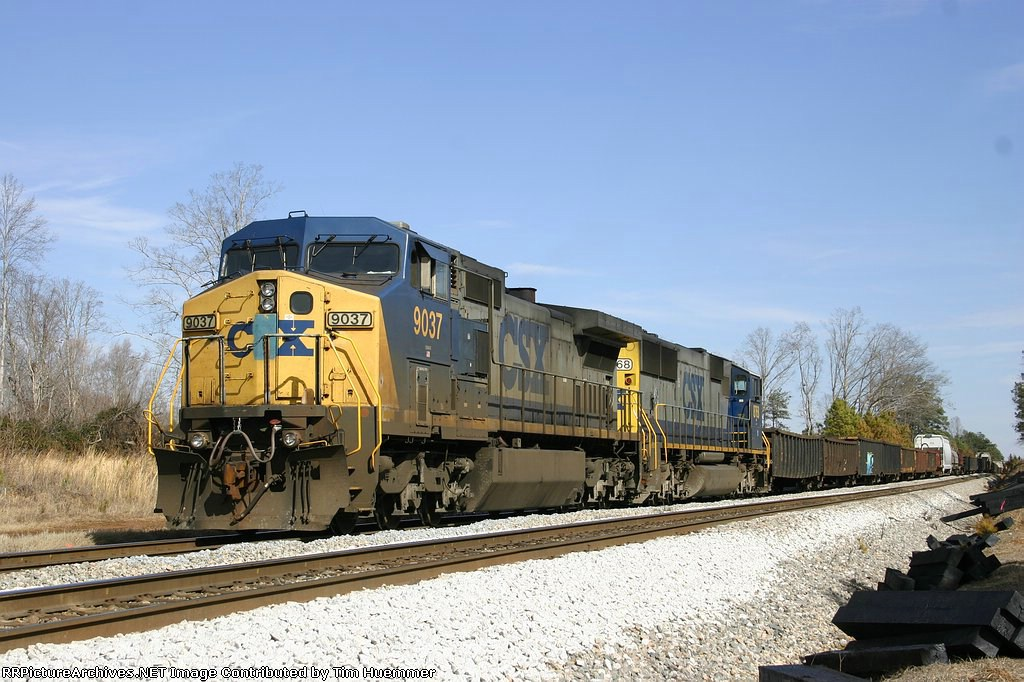 F781 parked in the siding