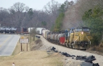 CSX Q614 stretches out along US-76