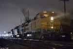 BNSF 518 Q525 gets re-crewed in the rain