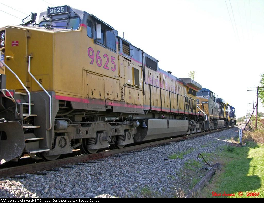 UP 9625,CSX 5246