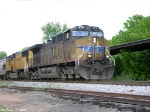 UP 5731,4046 X686 Southbound through Bowling Green