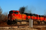 BNSF 4733 pouring on the coals