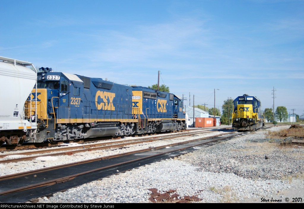 CSX 2327,6919 and 2727 wait patiently