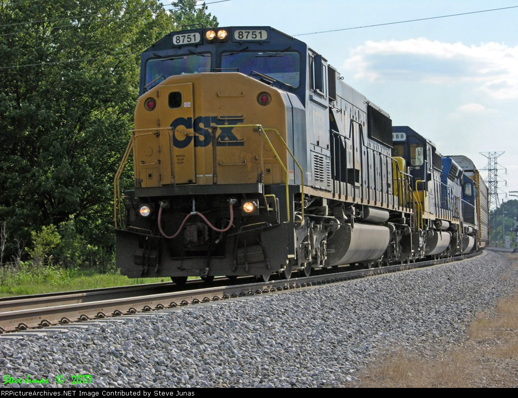 CSX 8751,8888 Q526
