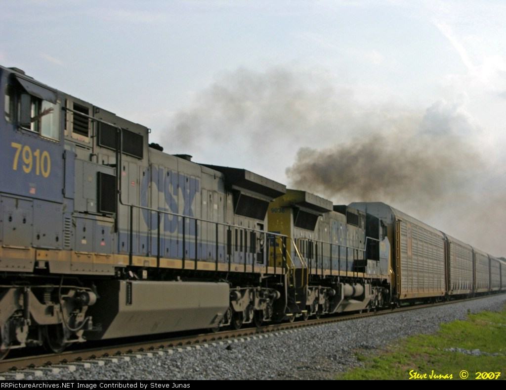 CSX 7910,9036 Q210 and I get the friendly wave!