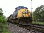 CSX 482 sits in the Morgantown siding at Emmet Dr.