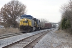 CSX 319 pulls short Q578 into South Gossum