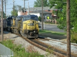 CSX 7661,97,8097 Q573 heads into the siding at Morgantown