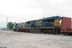 CSX 1540,812 pull the unusual K562 north