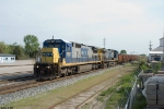 CSX 7637,73 W070 rock train passes Memphis junction southbound