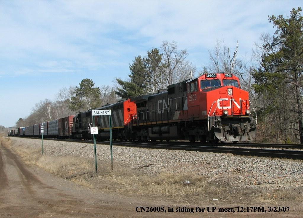 CN2600 South heading into the siding