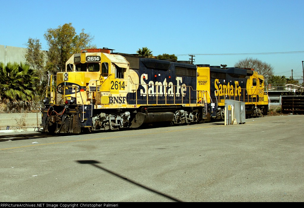 BNSF 2614 and BNSF 2467