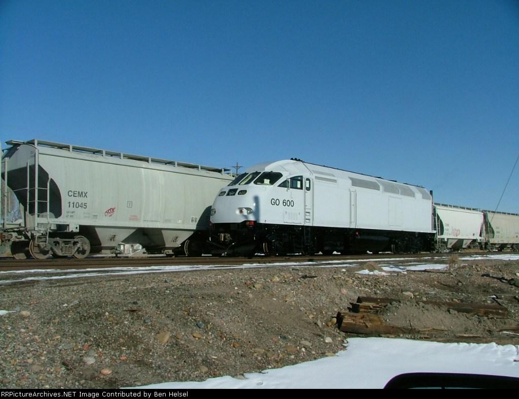 New GO Transit(?) MP36-3HC 600 @ Pueblo