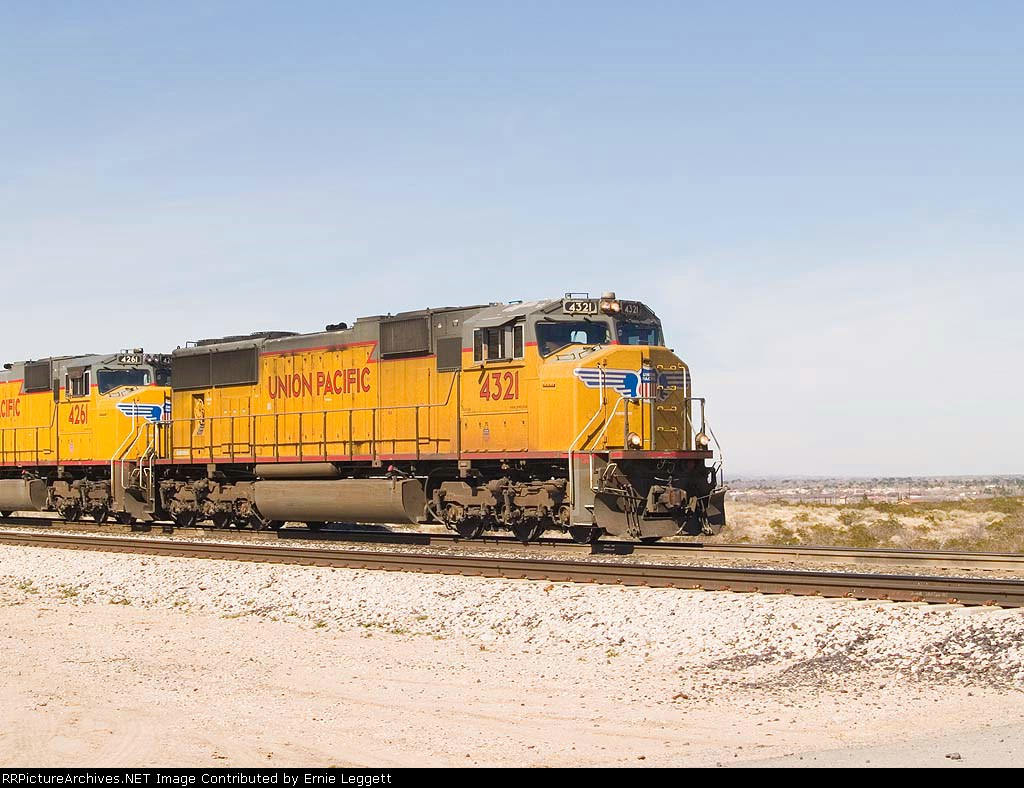 UP 4321 leads an EB intermodal at 12:28pm
