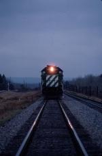1423-22 Northbound BN freight at dusk