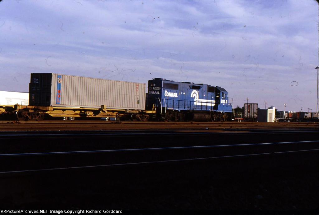 CR 8062 shunting intermodal cars