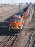 070323013 BNSF All-Rail taconite empties at Northtown CTC 35th