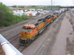 07050405 Eastbound BNSF freight departs Northtown Yard on the South Runner at CTC 35th