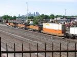 07052506 Eastbound BNSF freight at Northtown CTC 35th