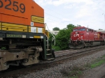 07052843 Eastbound BNSF meets westbound CP freight near Park Junction