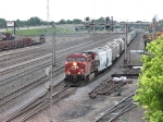 070605012 Northbound CP freight at BNSF Northtown CTC 35th