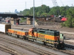070612065 BNSF Northtown yard engine works bowl pullout while SOO bridge Shoofly movement takes place overhead