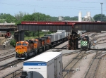 070616003 Eastbound BNSF freight at Northtown CTC 35th