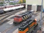 071022005 CN 5553 at BNSF Northtown diesel shop