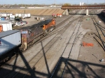 071103017 Westbound BNSF freight passes Northtown CTC 35th